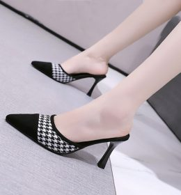 Sandal Import Wanita Ringan Tidak Membuat Lelah
