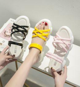 Sandal Santai Tidak Ketinggalan Zaman