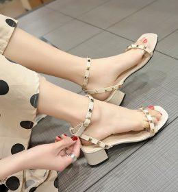 Sandal Terbuka Hak Tinggi Import