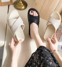 Sandal Wanita Import Bisa Untuk Santai Atau Jalan-Jalan