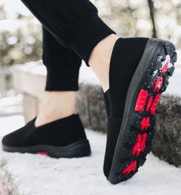 Sepatu Slip On Anti Ribet Bahan Katun Ringan dan Trendi