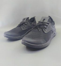 Sepatu Sneakers Pria Model Keren