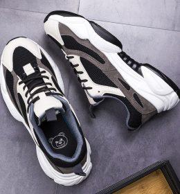 Sepatu Sneakers Wanita Keren Trend 2020