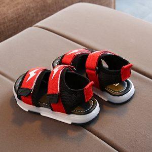 4 Tips Memilih Sepatu Sandal Bayi