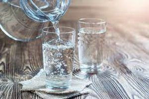 5 Manfaat Minum Air Putih